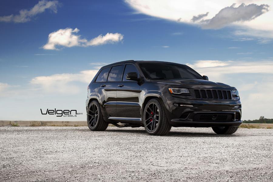 черный Jeep без смс